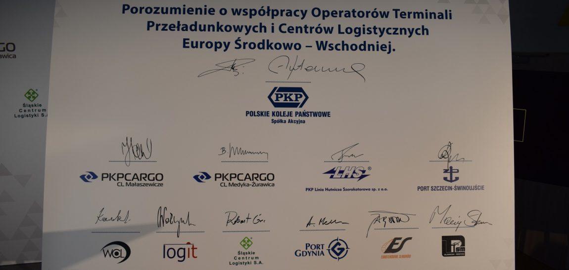 PKP S.A. integruje branżę logistyczną. Spółka podpisała porozumienie z 10 operatorami.
